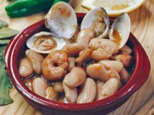 alubias almejas witte bonen met schelpen